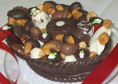 photo edible chocolate baskets from sweethearts three
